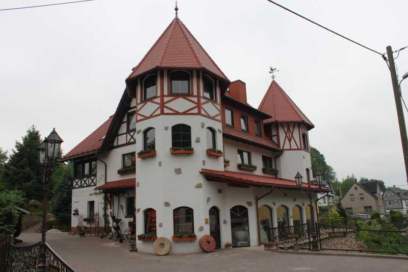 Erste Erzgebirgische Holzofenschaubäckerei
