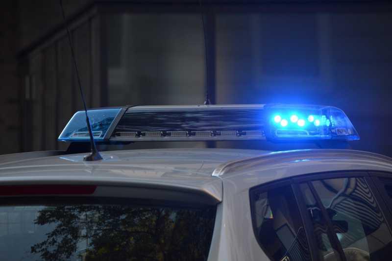 Die Polizei kontrolliert Betriebe
