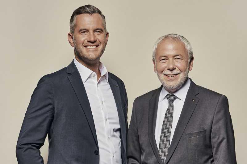 Daniel Schneider (links) und Bäckerpräsident Michael Wippler.