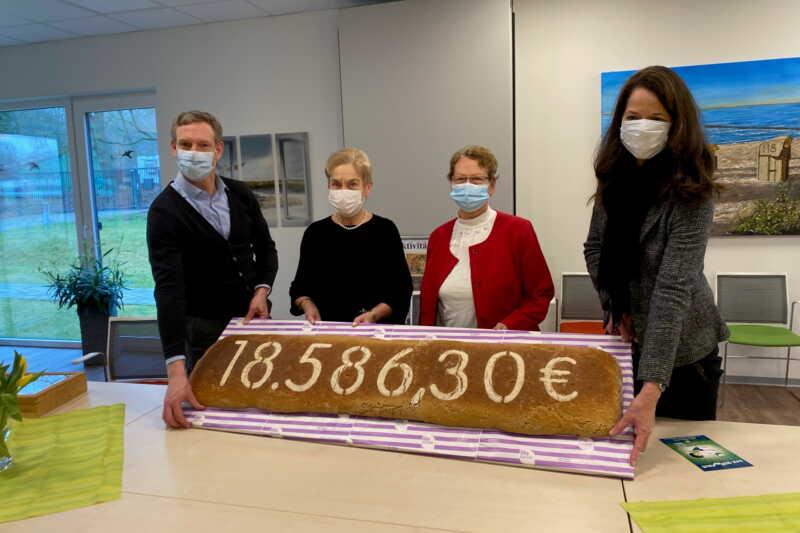 Lila Bäcker spendet 18.500 Euro an Kinderkrebshilfe Rostock